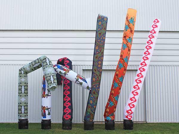 Sky dancers (Dancing inflatables)
